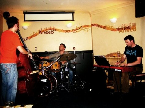 Barry Rycraft (bass), Satya Darcy (drums) and Jay Wilson (piano) - photo by Mildred Hernandez
